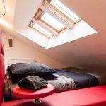 Coin sommeil en mezzanine de la suite Zen