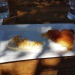 Tarte tartin - Flaky pasty, rich caramel and cream and crunch