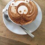 Kinyei Cafe resmi