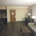 Suite 408_4