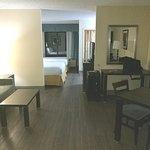 Suite 408_1