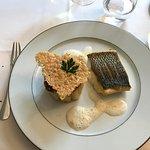 Bar sauvage, rigatoni à la crème de truffe, beurre blanc au Noilly Prat