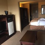Photo de Oxford Suites Portland - Jantzen Beach