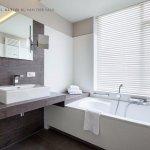Room with jacuzzi bath