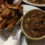 'steak' and mushrooms with gravy and chips
