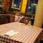 Checked tablecloths, empty tables are a rare sight in this place!