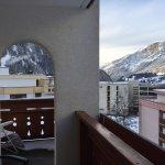 Innen- und Balkonaussicht von der Suite 306