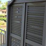 Deck blind peeling