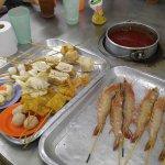 Fresh food & good satay sauce