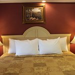 Deluxe King Bed NS