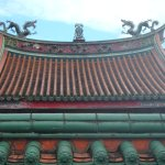 roof with dragons