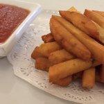 Fiammiferi di panelle con salsa chutney