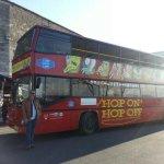 Photo de Giraffe Hop On Hop Off City Tour