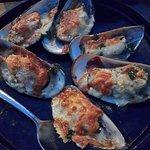 หอยแมลงภู่อบชีส(Baked mussels with cheese)