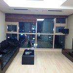 Photo de Brown Suites Residence