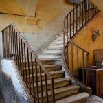 Vue des caves dans l'escalier d'honneur
