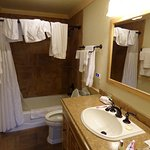 2 bed suite bathroom
