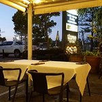 Three Bar and Grill의 사진