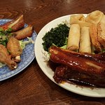 house crispy combination with spare ribs,spring roll ,prawn toast,wan tun and seaweed spring cab