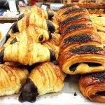 美味しいパン屋もあり、朝から大興奮!