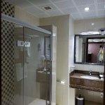 Lovely, modern bathroom.