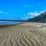 This is the Aarey-Warey Beach which is only a few kilometers away from Ganpatipule Beach.