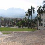 Vista de frente a igreja