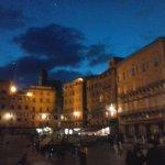 night view of Piazza del campo