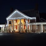 Rodeway Inn at night!
