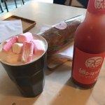 Photo de Barista Coffee and Cake