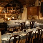 Beautiful restaurant with delicious food. You can enjoy a romantic atmosphere and traditional de