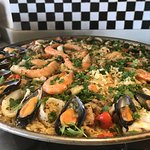 Paella for lunch! (Cookery course)