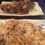 Pad Thai & Beef w/ mushrooms