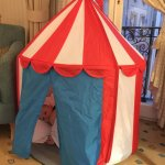 Play tent for children provided in room
