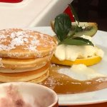 Pancakes & Maple Syrup