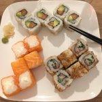 Plateau sushi - pink cheese - cali saumon - crispy roll