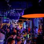 Tramvaj Pub je poznati beogradski pub u kome Vas očekuju kvalitetna muzika i žive svirke, savrše