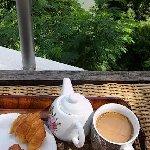Desayuno con vista al río.