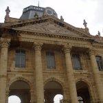 colonnades et fronton