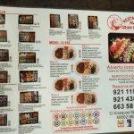 la carta de sushi, que a pesar de ser restaurante chino también ofrecen esa posibilidad