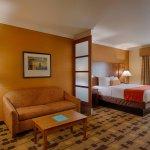 Best Western Plus Delta Inn & Suites Foto