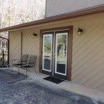 Separate entrance to Oak Leaf Room