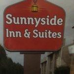 Sunnyside Inn and Suites