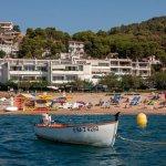 Photo of Hotel Mar Menuda