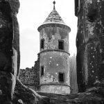 Durchblick auf einen Turm