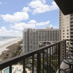Photo de Royale Palms Condominiums by Hilton