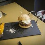 Combinación perfecta, Hamburguesa Ox & Green y Vino Sandara.