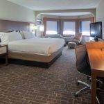 Photo de Holiday Inn Express Hotel & Suites Nashville - I-40 & 1-24 (Spence Lane)