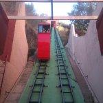 funicular para ascender al monumento,trayecto corto pero muy curioso