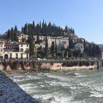 Il fiume Adige visto dal Ponte Pietra
